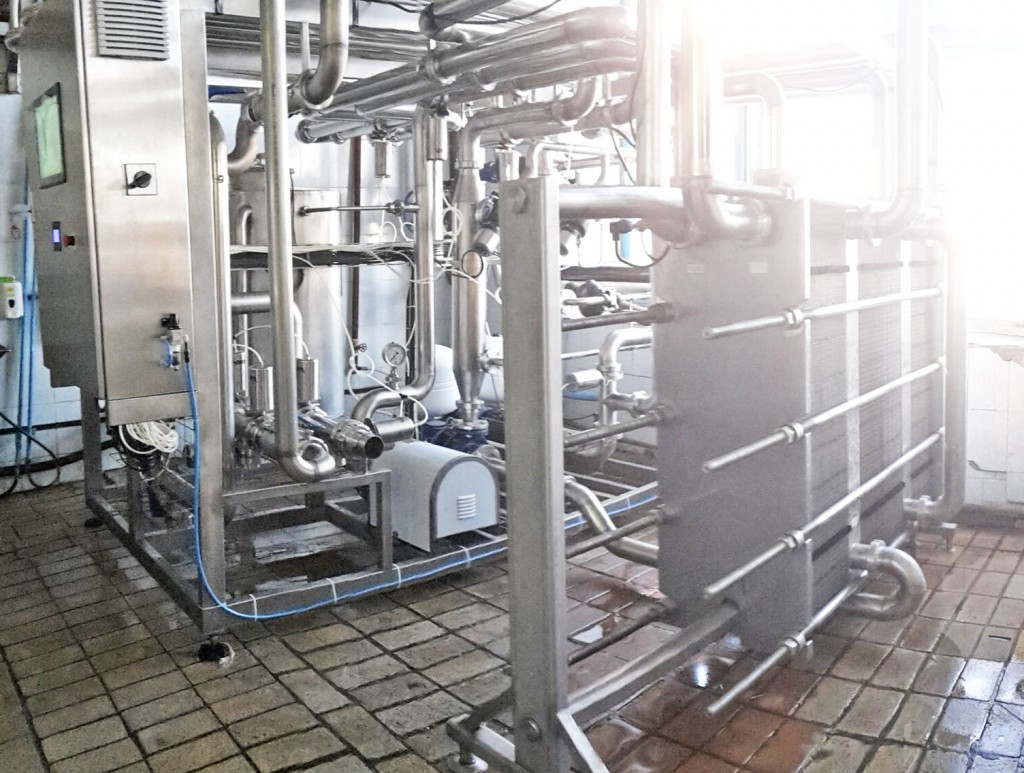 Pasterizacionno-ohladitelnaja ustanovka dlja moloka UPPO-25 (2)